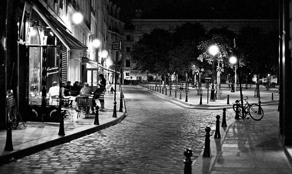 France-On-Tri-x-1.jpg