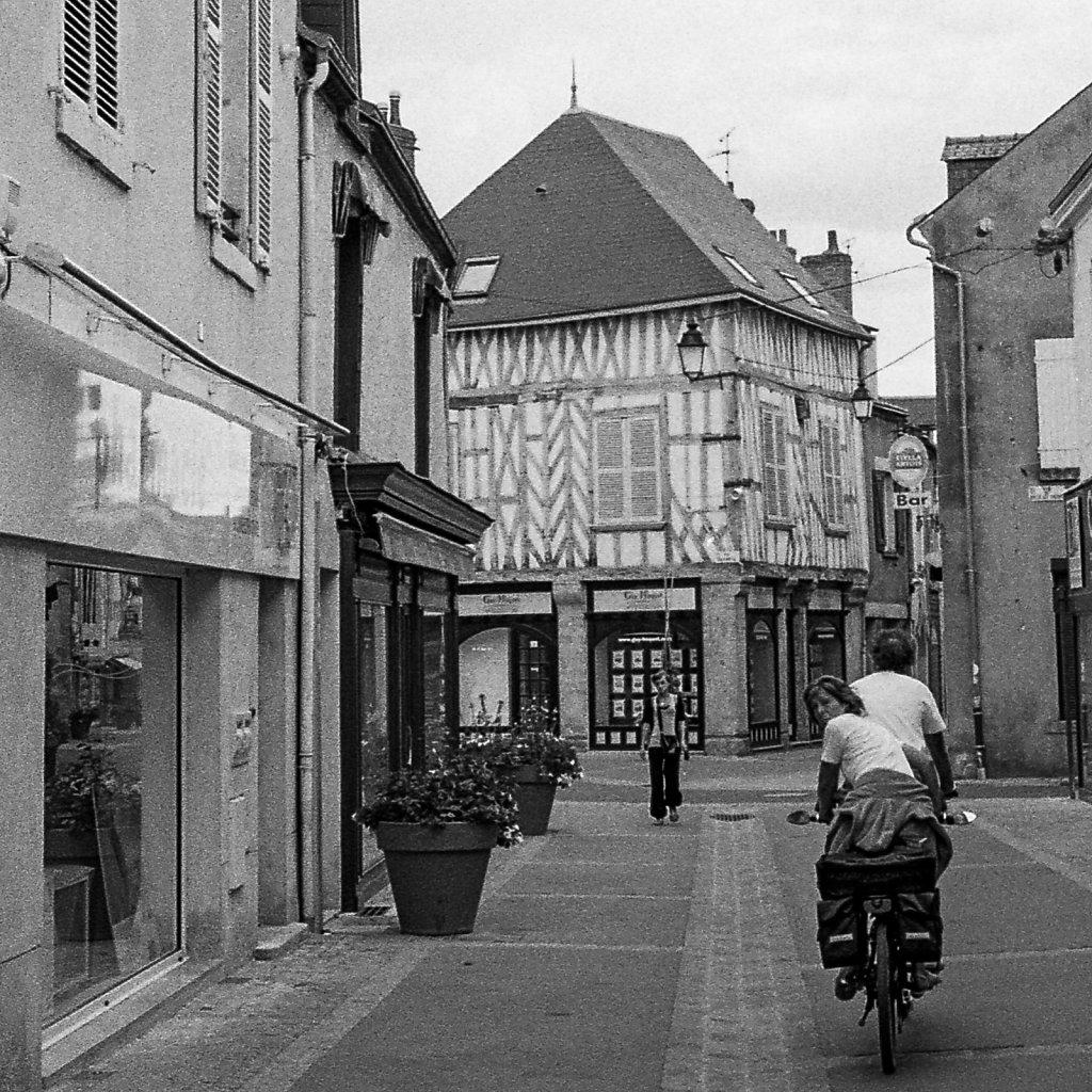 France-On-Tri-x-12.jpg